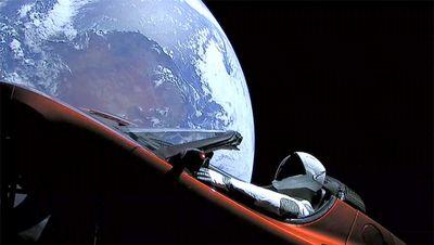 stock-SpaceX-FalconHeavy-12-company.jpg