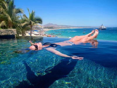 Infinity-pool-at-Cabo-San-Lucas-floating-in-paradise.jpg