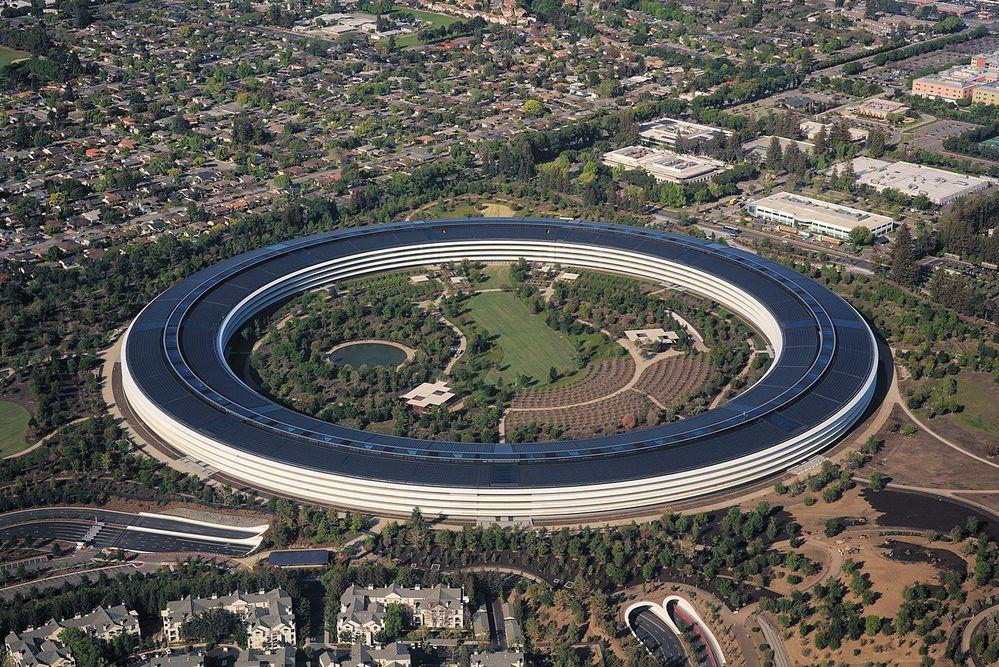 1280px-Aerial_view_of_Apple_Park_dllu.jpg