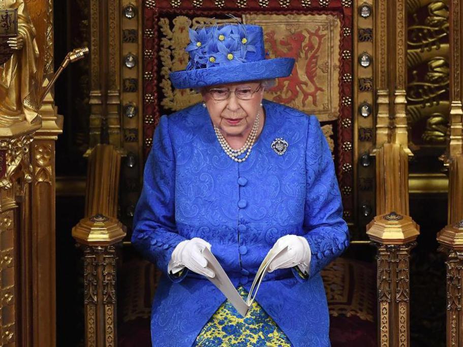 Rede-im-Parlament-Der-Anti-Brexit-Hut-der-Queen_image_1024_width.jpg