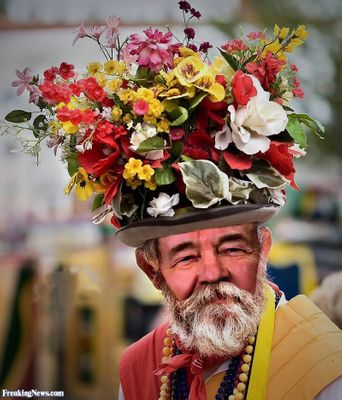 Silly-Solzhenitsyn-in-Flower-Hat--66744.jpg