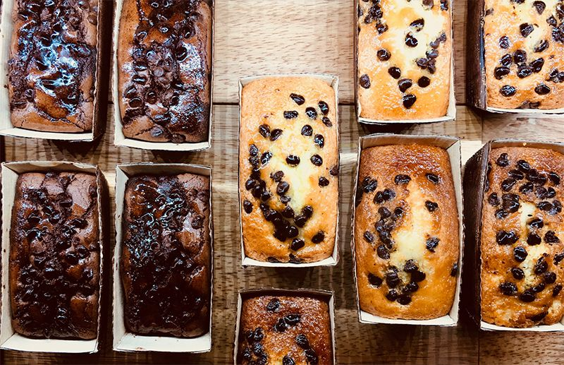 Cakes with chocolate and raisins