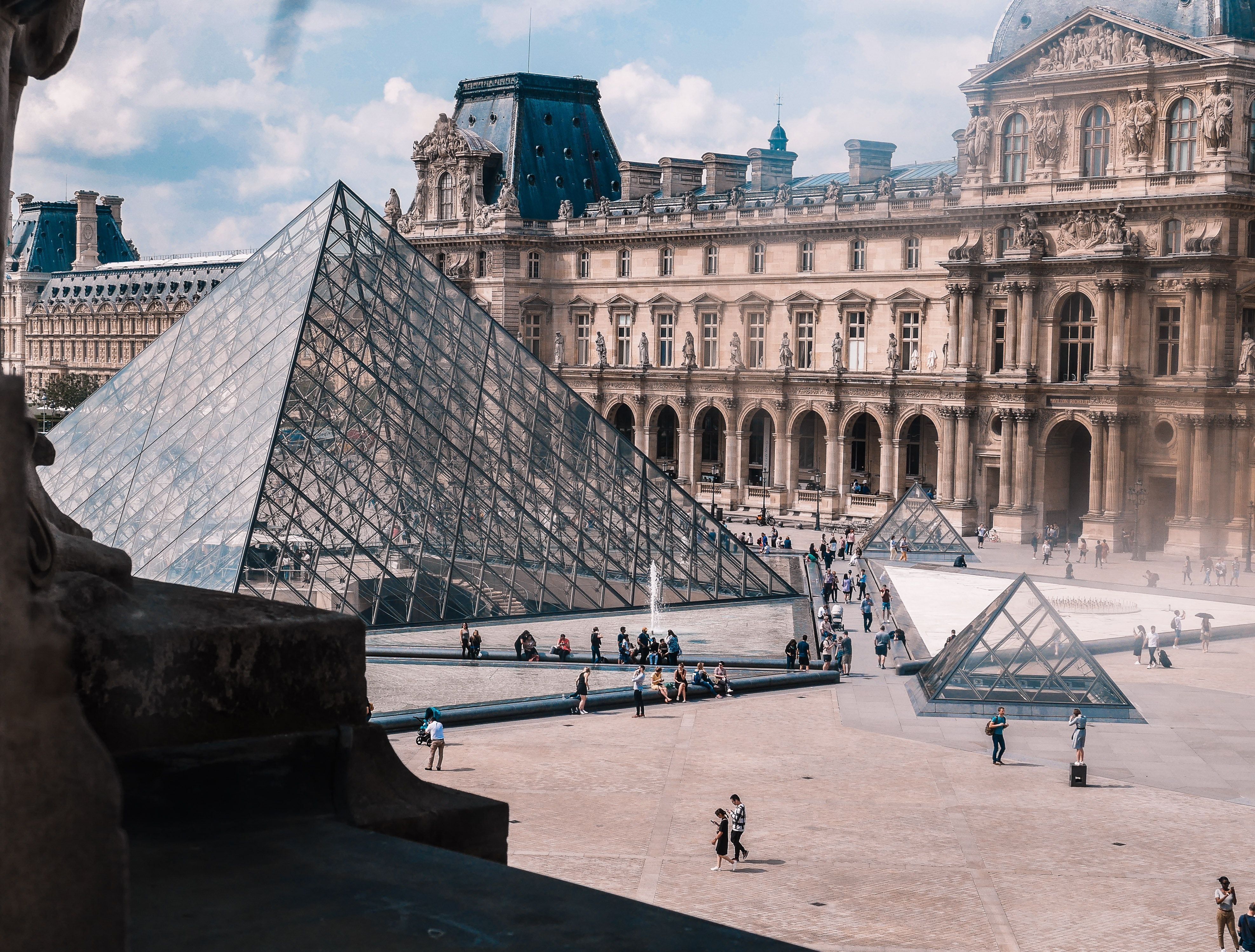 photo-of-the-louvre-museum-in-paris-france-2675266.jpg