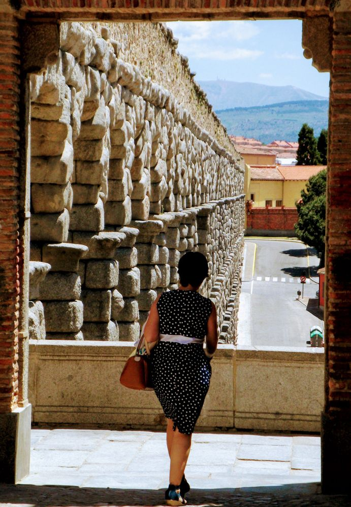 roman-aqueduct-segovia.jpg